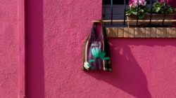 Marni Blossom Garden Market: borse, oggetti di design e arredi in edizione limitata