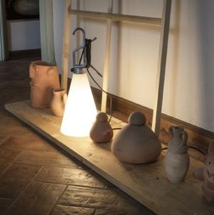 Flos lampada Mayday Anniversary: la limited edition dell'iconica task lamp firmata Konstantin Grcic