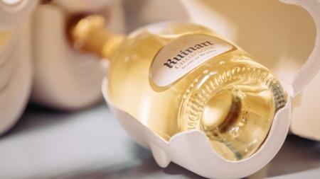 Ruinart champagne Second Skin Case: brindisi sostenibili e green