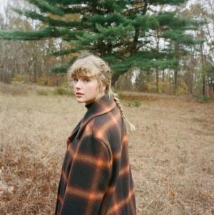 """Taylor Swift evermore: il nuovo album e il video ufficiale del singolo """"willow"""""""