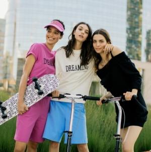 Alberta Ferretti capsule Dreaming 2021: la nuova esclusiva linea leisurewear