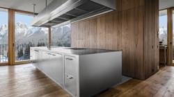 Cucina design Ego Abimis: l'elegante cucina con vista panoramica a Innsbruck