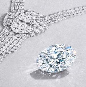 Gioielli più costosi al mondo: Tiffany & Co svela la riedizione della collana d'archivio del 1939