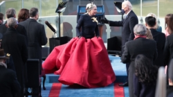 Joe Biden Insediamento diretta streaming: le performance di Lady Gaga e Jennifer Lopez all'Inauguration Day