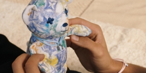 Louis Vuitton per UNICEF 2021: i nuovi bracciali Silver Lockit e il Doudou Louis