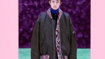 Prada Uomo autunno inverno 2021: sensazioni e tattilità in libertà, tutti i look