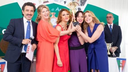 Burraco Fatale Amazon Prime Video: il film con Claudia Gerini, Angela Finocchiaro e Caterina Guzzanti