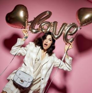 Idee regalo San Valentino 2021: le proposte di Tod's, Pinko, Stella McCartney e Michael Kors