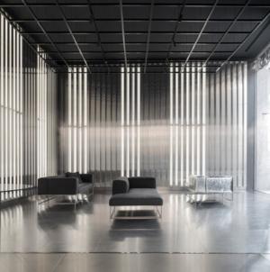 Living Divani Gallery 2021: il nuovo allestimento dal fascino siderale