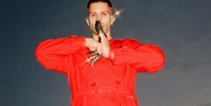 Mahmood Inuyasha: il nuovo singolo, l'artista indossa due speciali abiti Burberry