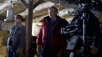 Falling film Viggo Mortensen: il debutto alla regia, l'attore indossa Nobis
