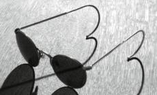Giorgio Armani occhiali primavera estate 2021: Icon, l'eyewear ispirato agli anni Trenta e Quaranta