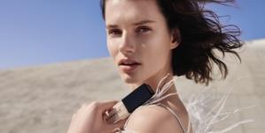 Givenchy fondotinta Prisme Libre Skin-Caring Glow: il nuovo rituale della luce