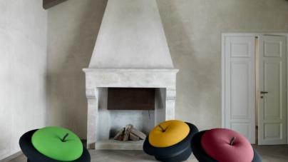 Gufram MAgriTTa: l'iconica poltrona scultura in rosso e in giallo