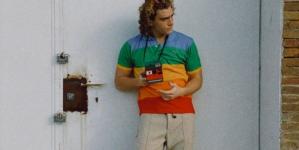 Lacoste x Polaroid: la nuova coloratissima capsule per la primavera 2021