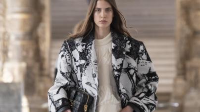 Louis Vuitton Donna autunno inverno 2021: la modernità del mondo artistico di Fornasetti, tutti i look