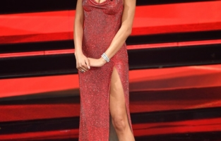 SANREMO, ITALY - MARCH 03:  Elodie is seen on stage at the 71th Sanremo Music Festival 2021 at Teatro Ariston on March 03, 2021 in Sanremo, Italy. (Photo by Jacopo M. Raule/Getty Images)