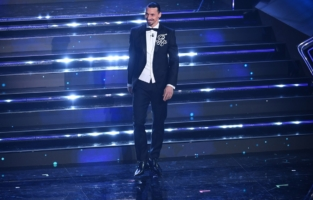 SANREMO, ITALY - MARCH 02: Zlatan Ibrahimović is seen on stage at the 71th Sanremo Music Festival 2021 at Teatro Ariston on March 02, 2021 in Sanremo, Italy. (Photo by Jacopo Raule / Daniele Venturelli/Getty Images)