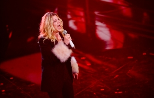 SANREMO, ITALY - MARCH 05: Emma Marrone is seen on stage during the 71th Sanremo Music Festival 2021 at Teatro Ariston on March 05, 2021 in Sanremo, Italy. (Photo by Jacopo M. Raule/Getty Images)