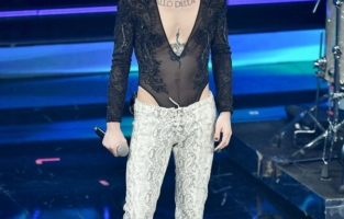 SANREMO, ITALY - MARCH 05:  Maneskin band is seen on stage during the 71th Sanremo Music Festival 2021 at Teatro Ariston on March 05, 2021 in Sanremo, Italy. (Photo by Jacopo Raule / Daniele Venturelli/Getty Images)