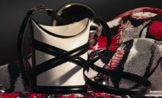 Alexander McQueen borsa The Curve 2021: nuovi colori per la it-bag di questa primavera estate