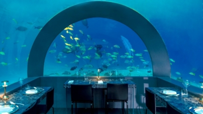 Andrea Berton H2O Maldive: il ristorante subacqueo con gli arredi di Lago Design