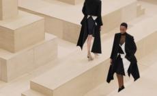 Burberry Donna autunno inverno 2021: l'audace femminilità moderna, il video e tutti i look