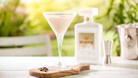 Disaronno Day 2021: i nuovi cocktail Pink Velvet e Velvet White Espresso Martini