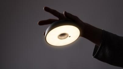 """Lampada outdoor Axolight Float: il """"Light Style"""" che crea un seducente effetto di luce"""