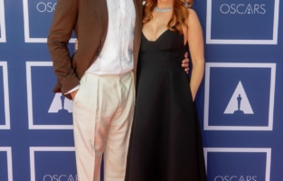 SYDNEY, AUSTRALIA – APRIL 26: (L-R) Sacha Baron Cohen and Isla Fisher attend a screening of the Oscars on April 26, 2021 in Sydney, Australia. (Photo by Rick Rycroft-Pool/Getty Images)