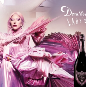 The Queendom Lady Gaga Dom Pérignon: la campagna e la scultura in limited edition