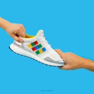 adidas Ultraboost DNA x LEGO Plates: le nuove sneakers in limited edition