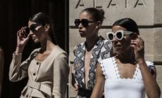 Alaïa occhiali da sole primavera estate 2021: allure vintage e design moderno