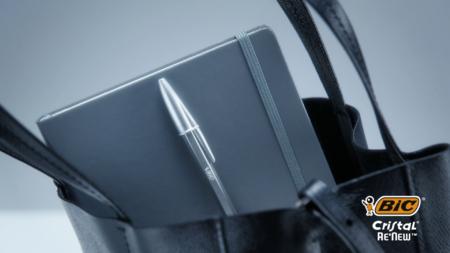 Bic Cristal Re New: la penna più venduta al mondo compie 70 anni