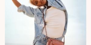 Coccinelle campagna primavera estate 2021: vibrazioni positive, le nuova borse