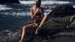 Costumi da bagno Max Mara 2021: la nuova linea beachwear gioca con i pattern degli anni Ottanta