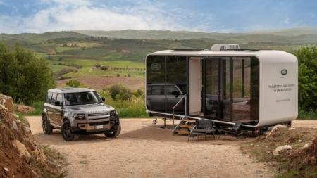 Jaguar Land Rover Defender Eco Home: la mini house su Airbnb per vivere un'estate off-road
