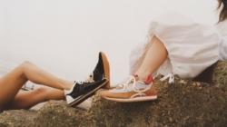 Loewe sneakers primavera estate 2021: le nuove Flow Runner per lui e per lei, la campagna