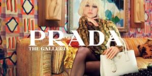 Prada borsa The Galleria: la campagna con Hunter Schafer, il corto diretto da Xavier Dolan