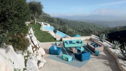 Roche Bobois collezione Outdoor 2021: divani, poltrone e chaises longues per giardini e piscine