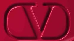 Valentino Beauty make-up 2021: il debutto della nuova collezione di fondotinta e rossetti