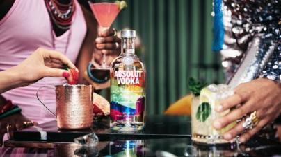 Absolut Vodka Rainbow 2021: la nuova bottiglia in limited edition a supporto della comunità LGBTQ+