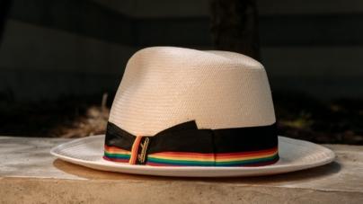 Borsalino capsule Pride 2021: la collezione che celebra l'emblematico tema arcobaleno