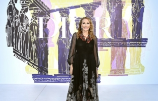 ATHENS, GREECE - JUNE 17: Marisa Berenson attends the photocall of the Dior Cruise Collection 2022 at Panathinaiko Stadium on June 17, 2021 in Athens, Greece. (Photo by Pascal Le Segretain/Getty Images for Dior)