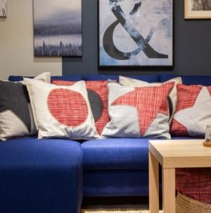 Ikea nuova collezione Aterstalla: una linea di fodere per cuscini realizzata con tessuti recuperati