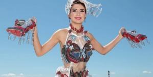 Junk Kouture 2021: il concorso di moda con look realizzati in materiali riciclati al 100%