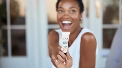 Nuova CC Cream Ahava per una pelle uniforme, luminosa, idratata e protetta