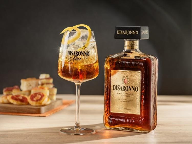 Disaronno Fizz drink