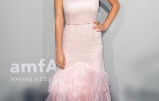 CAP D'ANTIBES, FRANCE - JULY 16: Dylan Penn attends the amfAR Cannes Gala 2021 during the 74th Annual Cannes Film Festival at Villa Eilenroc on July 16, 2021 in Cap d'Antibes, France. (Photo by Samir Hussein/WireImage)