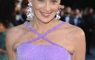 CAP D'ANTIBES, FRANCE - JULY 16: Sharon Stone attends the amfAR Cannes Gala 2021 at Villa Eilenroc on July 16, 2021 in Cap d'Antibes, France. (Photo by Daniele Venturelli/amfAR/Daniele Venturelli/Getty Images for amfAR )